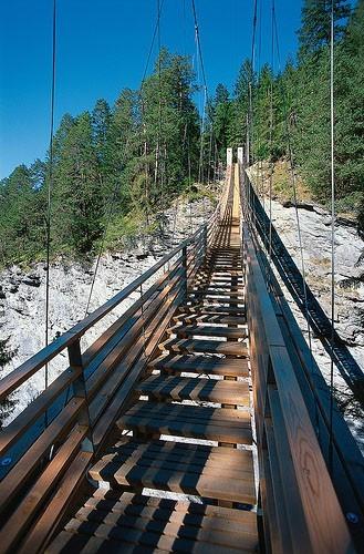 Необычные лестницы - висячая лестница