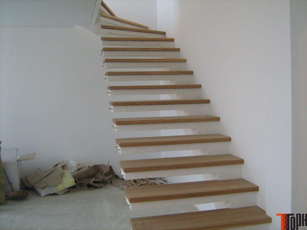 Отделать бетонную лестницу деревом своими руками 2